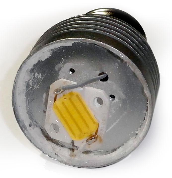 Lampadina LED aperta